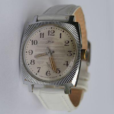 Зим стоимость часов наручные часы продам старые